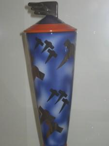Dante Baldelli Vaso con aerei e coperchio ad ala per la manifattura Rometti
