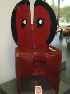 25 Nobadys perfect Gaetano Pesce 2000