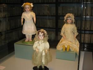 7 Teca con bambole tedesche
