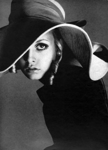 4 twiggy-by-richard-avedon-1967