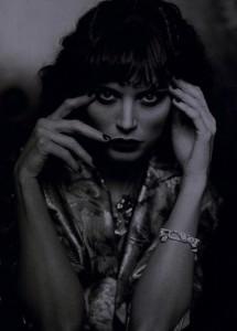 s Moment Georgina Chapman as Marchesa Casati Linbergh Bazaar March 2009 4