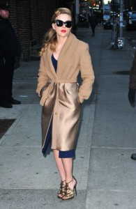 9 Scarlett-Johansson-in-MaxMara-Late-Show-With-David-Letterman-600x922