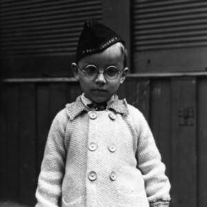 13 SCHARNHORST-BOY-VIENNA-1945-by-LEE-MILLER