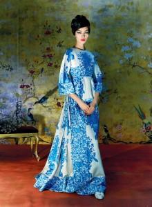 23 valentino-fall-1968-met-gala-costume-exhibit-china-through-the-looking-glass-5-670x911