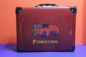 19 Valigetta Fiorucci lato b