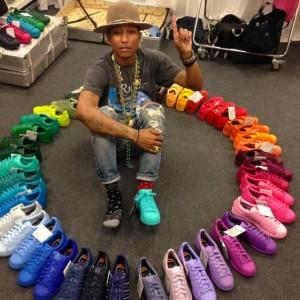 14 pharrell-rainbow-stan-smith-570x570