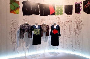 40 Yves-Saint-Laurent-1971-la-collection-du-scandale-exhibition