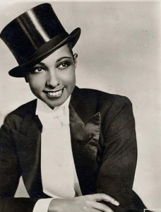 20 smoking-josephine-baker