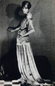 4-man-ray_peggy-guggenheim-in-dress-by-paul-poiret-1924