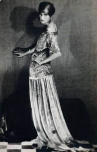 4-man-ray_peggy-guggenheim-in-dress-by-paul-poiret-1924